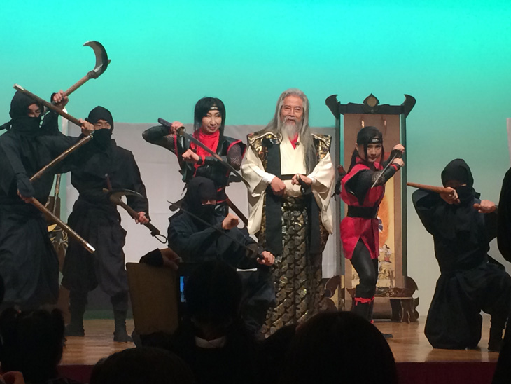本格的な忍者ショー