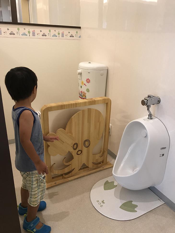子ども用のトイレも可愛くて清潔