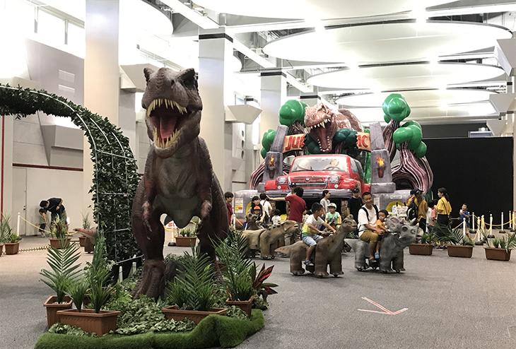 恐竜を運転できます