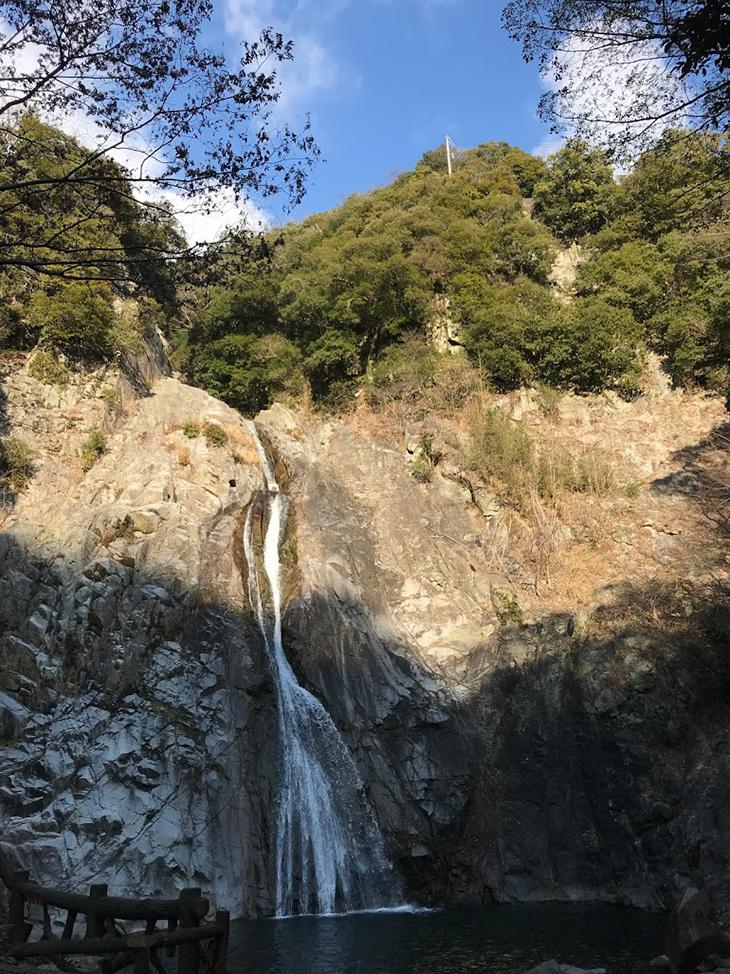 布引の滝 雄滝(おんたき)
