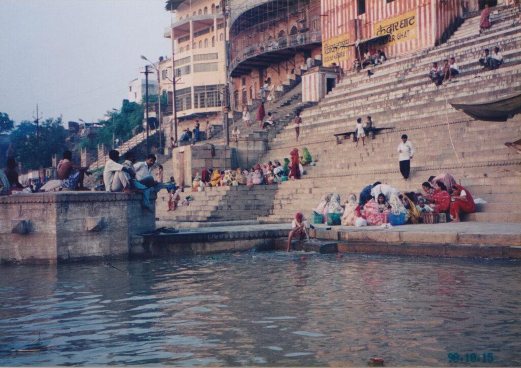ガンジス川にはインド中から人が訪れる
