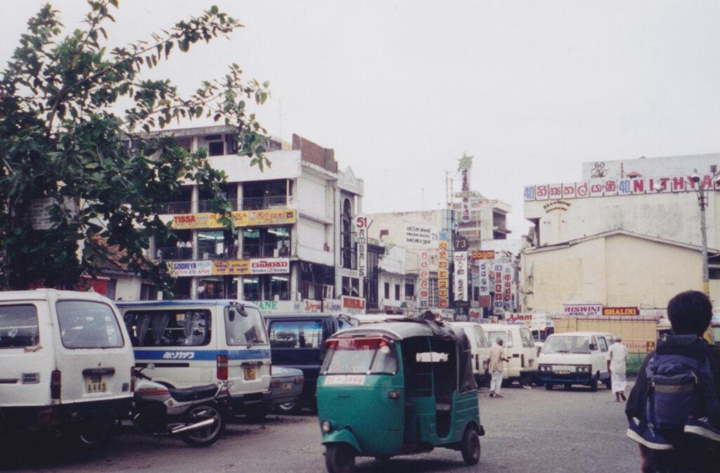 スリランカでの「HOTEL」はレストランという意味